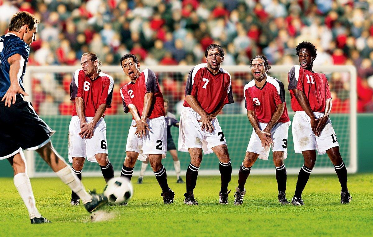 Прикольные картинки про футболистов
