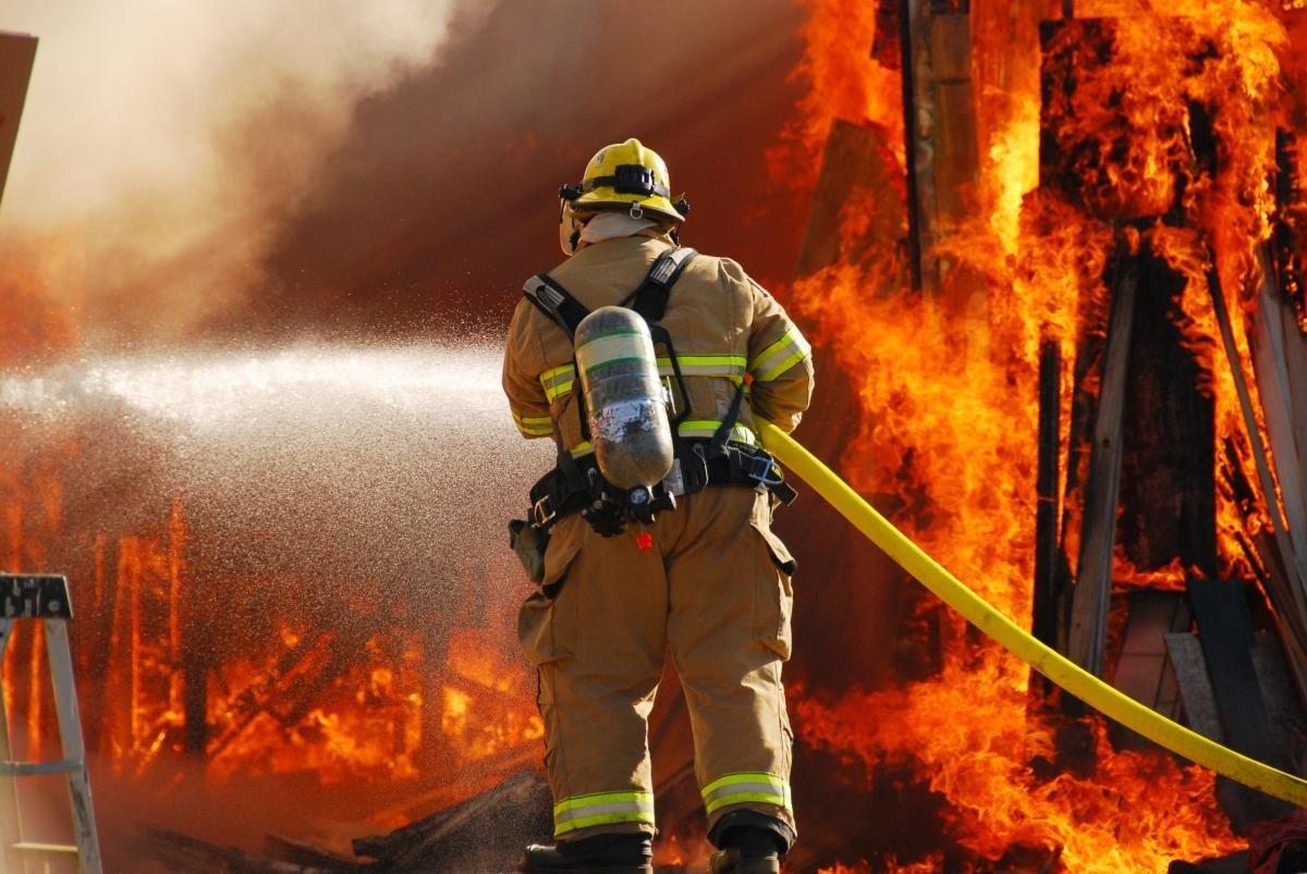 Раскраски, картинки о пожарниках