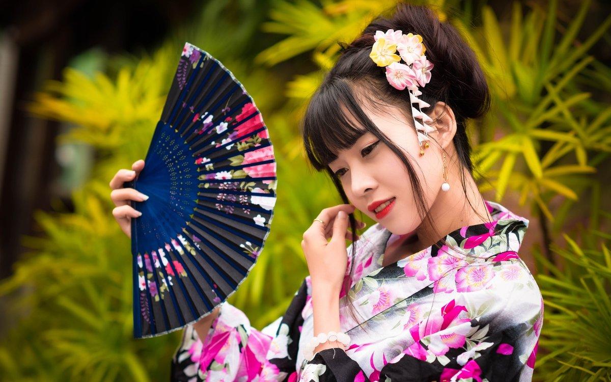 фото китаянок с веерами в кимоно гости приходят сюда