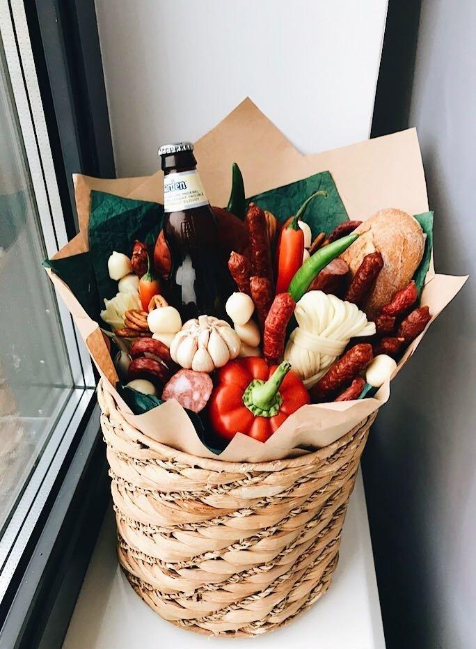 Живые цветы, оформление букета для мужчин