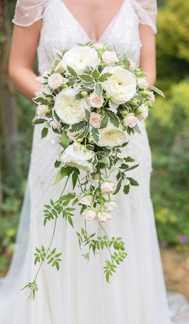 Цветов, длинные букеты невесты