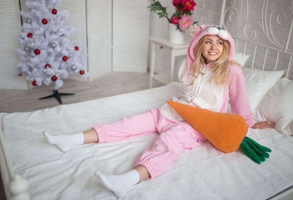 фотография девушки в пижаме значи