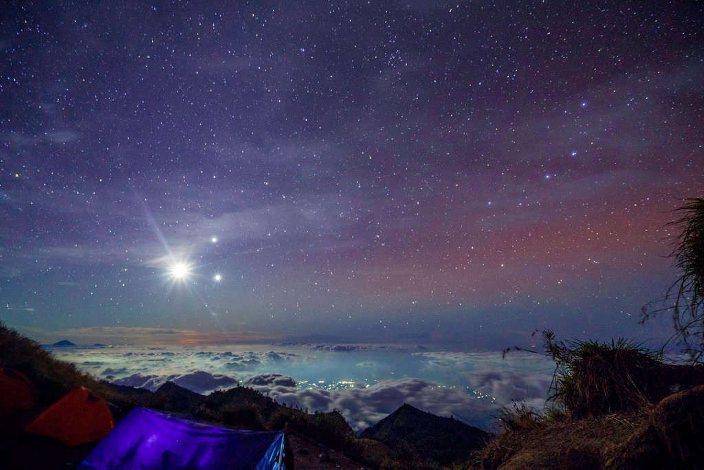 картинка луна млечный путь опять начинает звонить