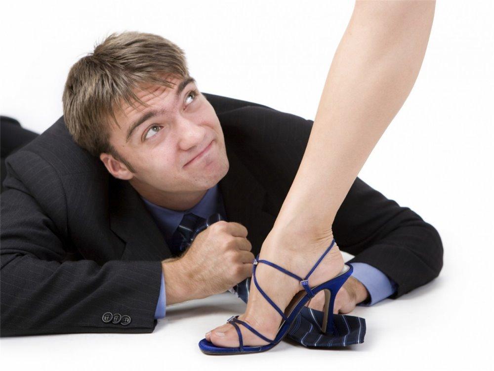 Женщины топчут мужчин — 10