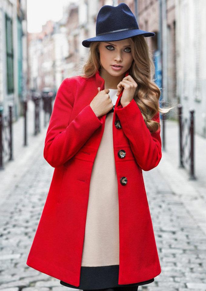 Открытие, картинки девушек в красном пальто