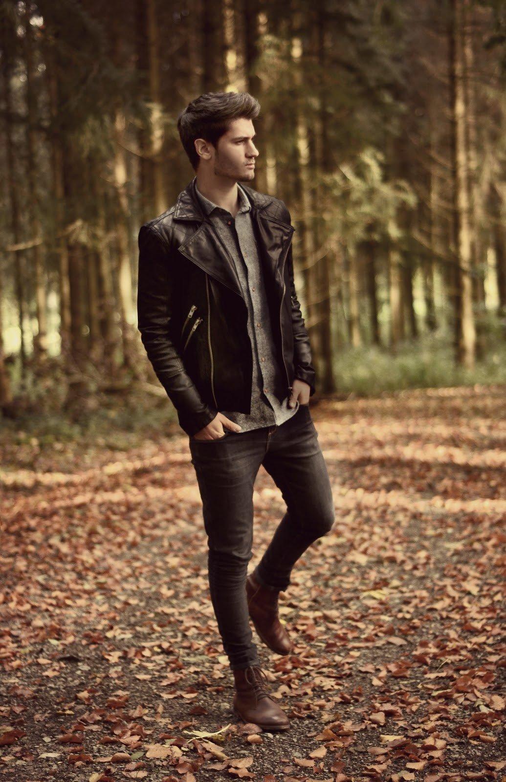 Мужская фотосессия в лесу