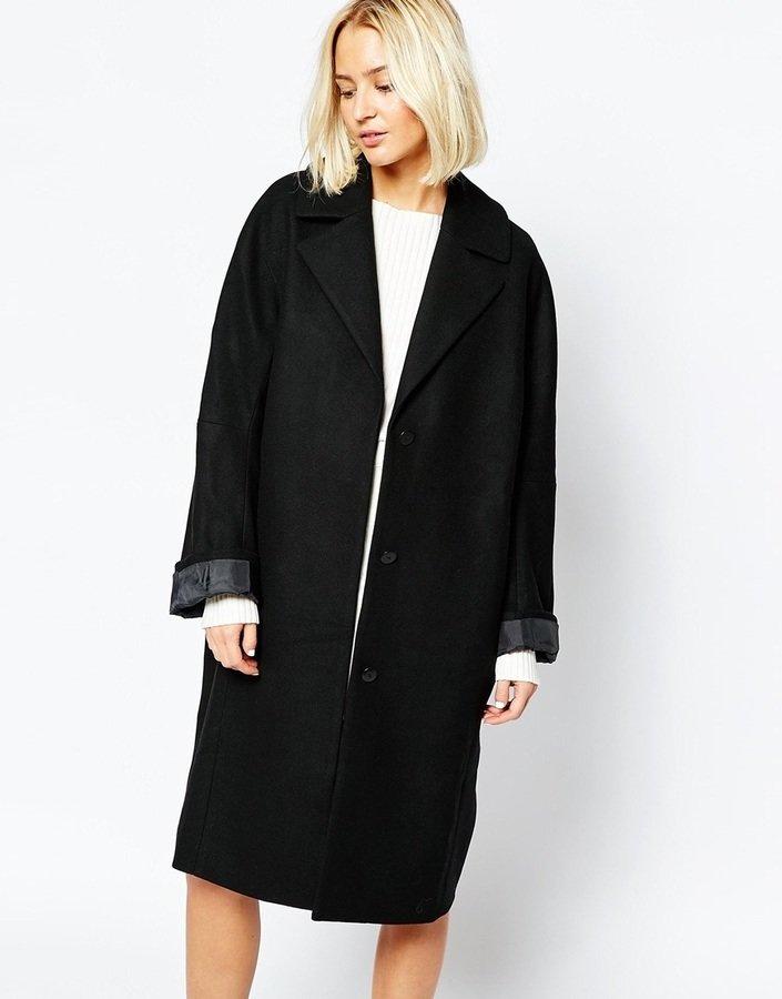 2866092b4ca Женское черное пальто от Weekday Где купить и с чем носить ...
