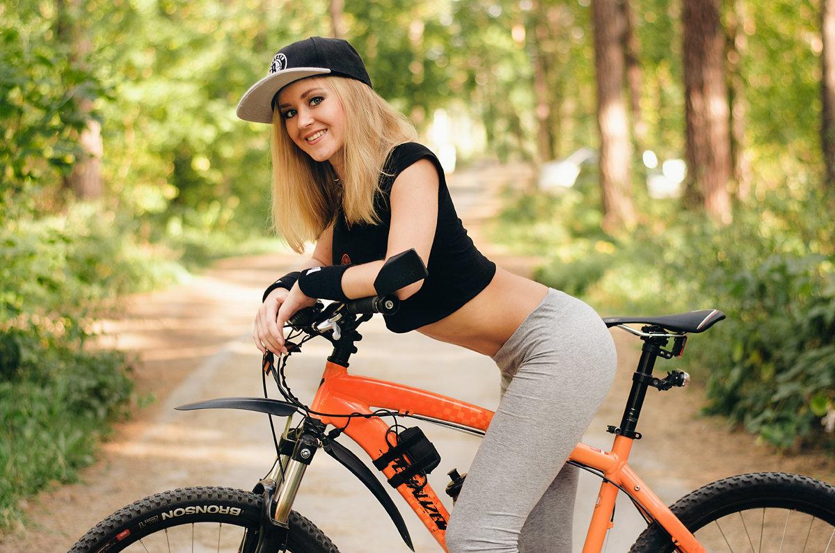 Картинки, картинки крутые девушек на велосипеде