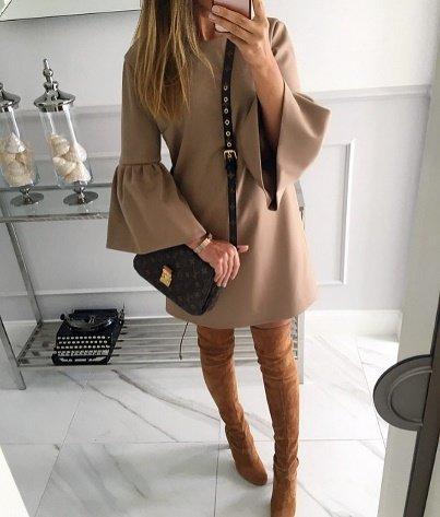стильный пример женского образа в осеннем платье
