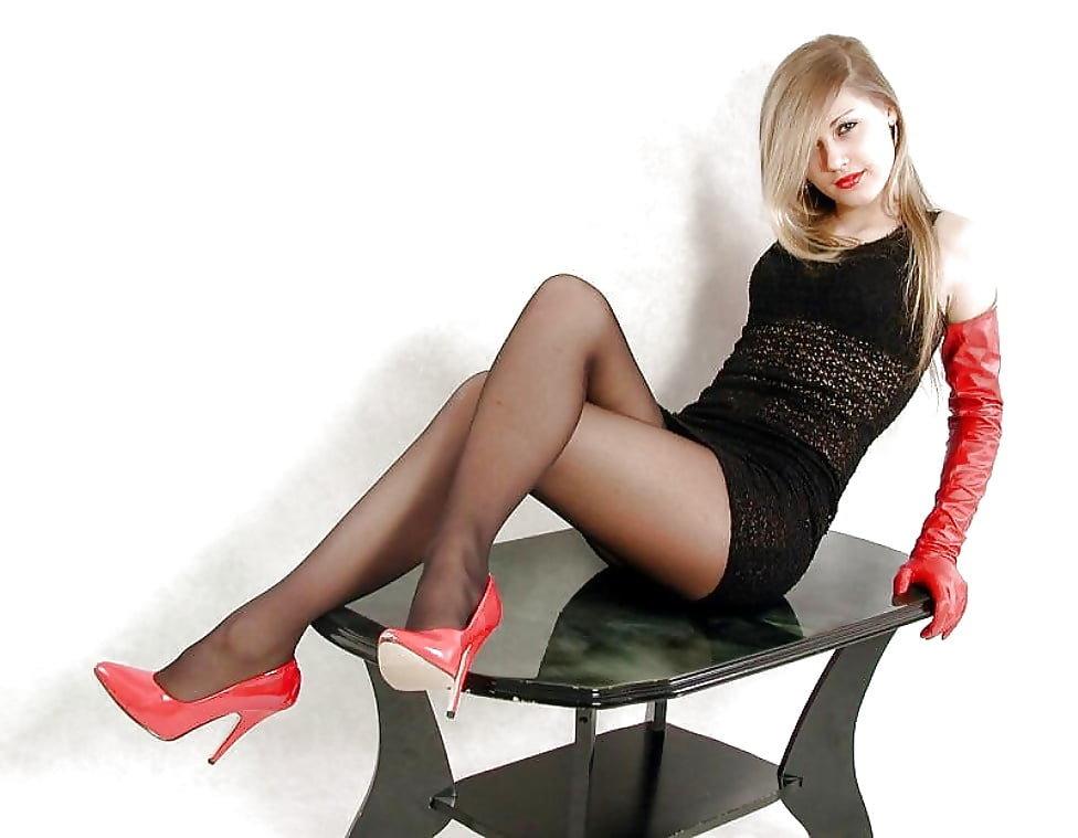 heels-stockings-pantyhose-nastyporn-shakira