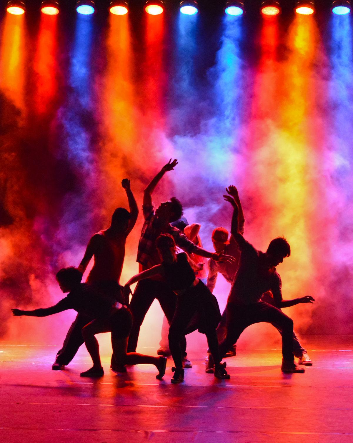 Картинка с танцем