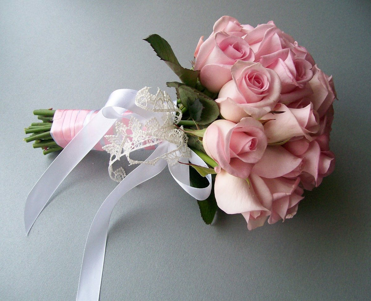 Фото букетов невесты из роз, свадебный букет