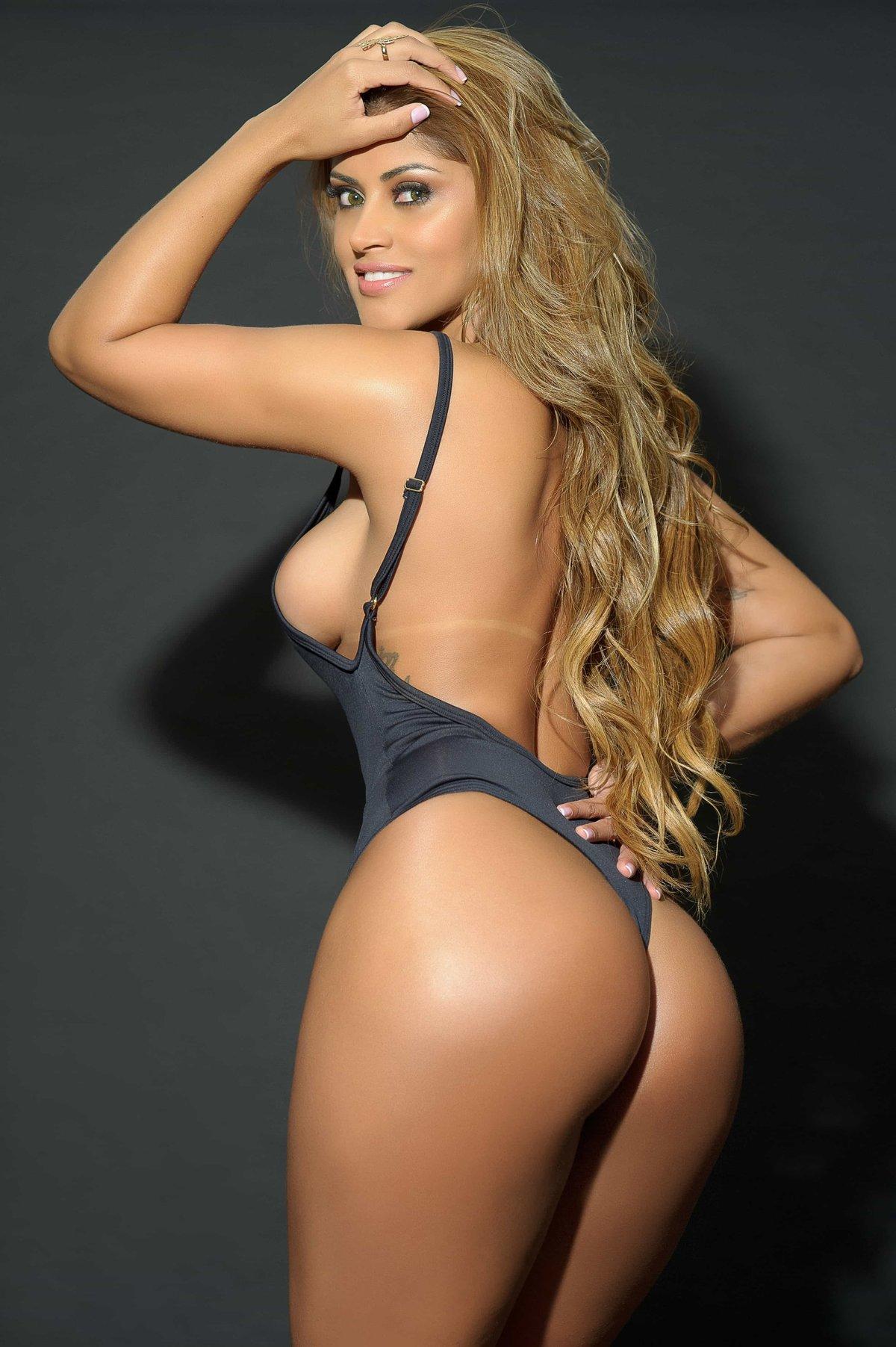 Модели попами фото, голые девушки порнографическое видео