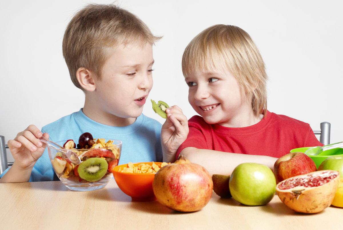 Ест фрукты картинки для детей