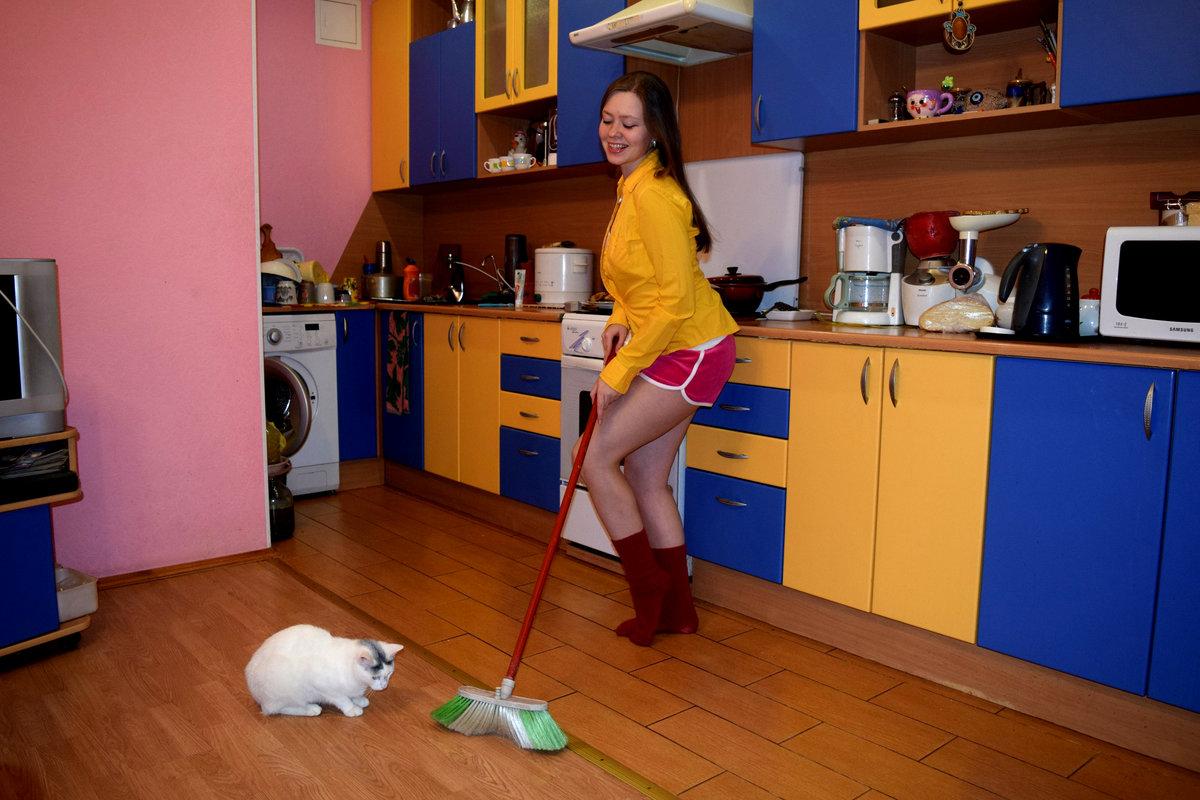 решил хозяйка и уборщица по русски скромные малышки