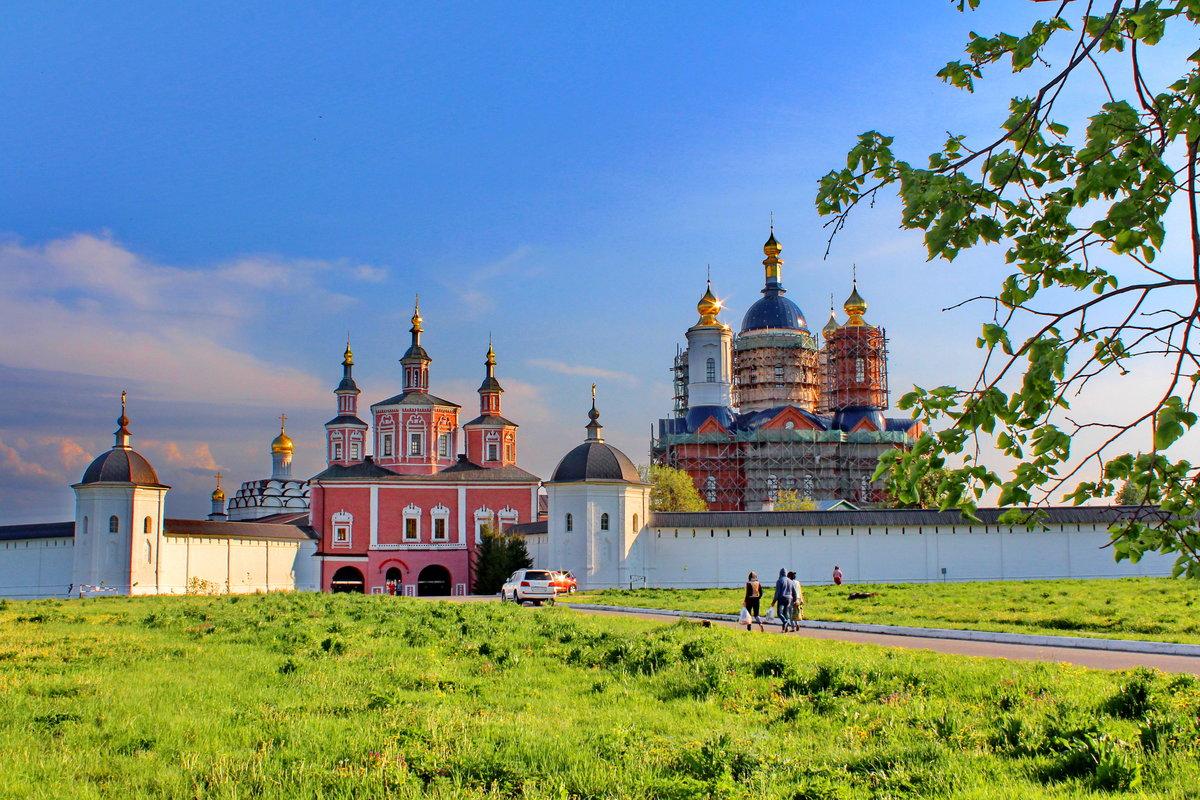 Свято-Успенский Свенский мужской монастырь в Брянской области, основан в 1288 году.    Автор фото Виталий Симоненков