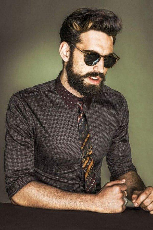 излучателя фотомодель парень с бородой раскраски волк