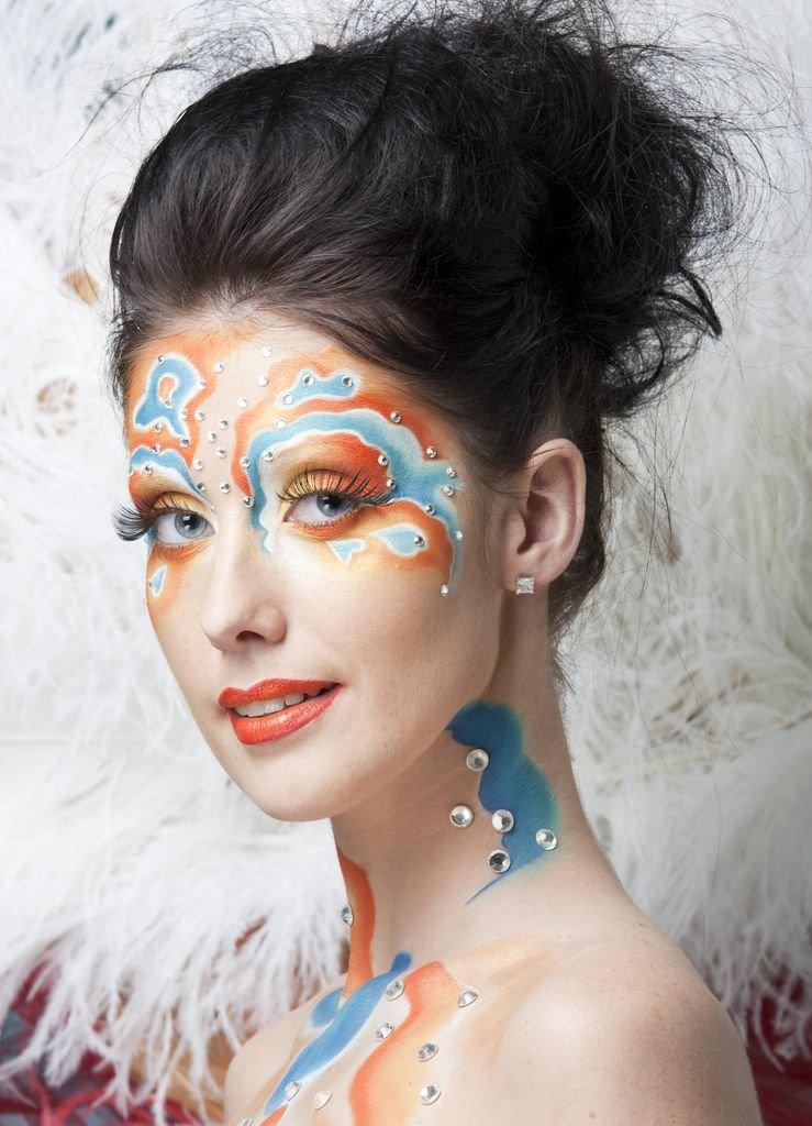 Арт макияж на лице фото