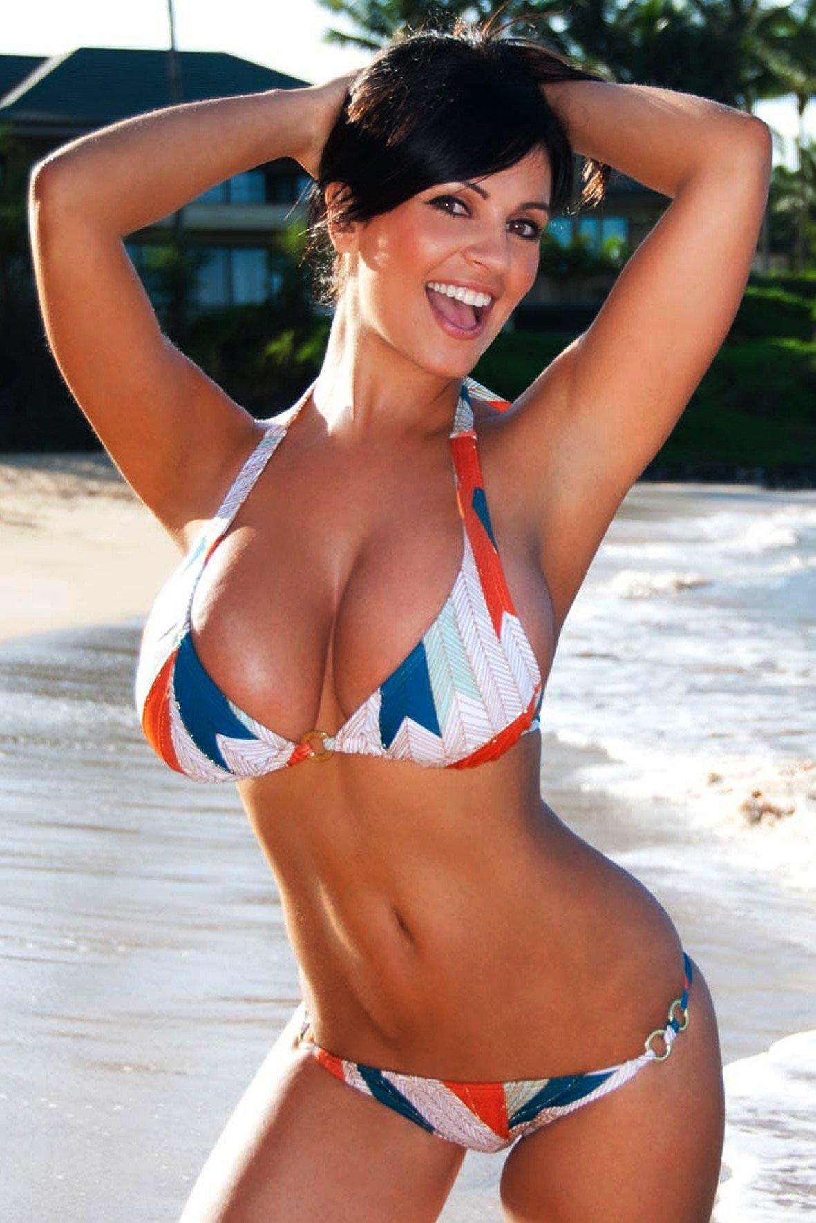 denise-milani-bikini-at-freeones