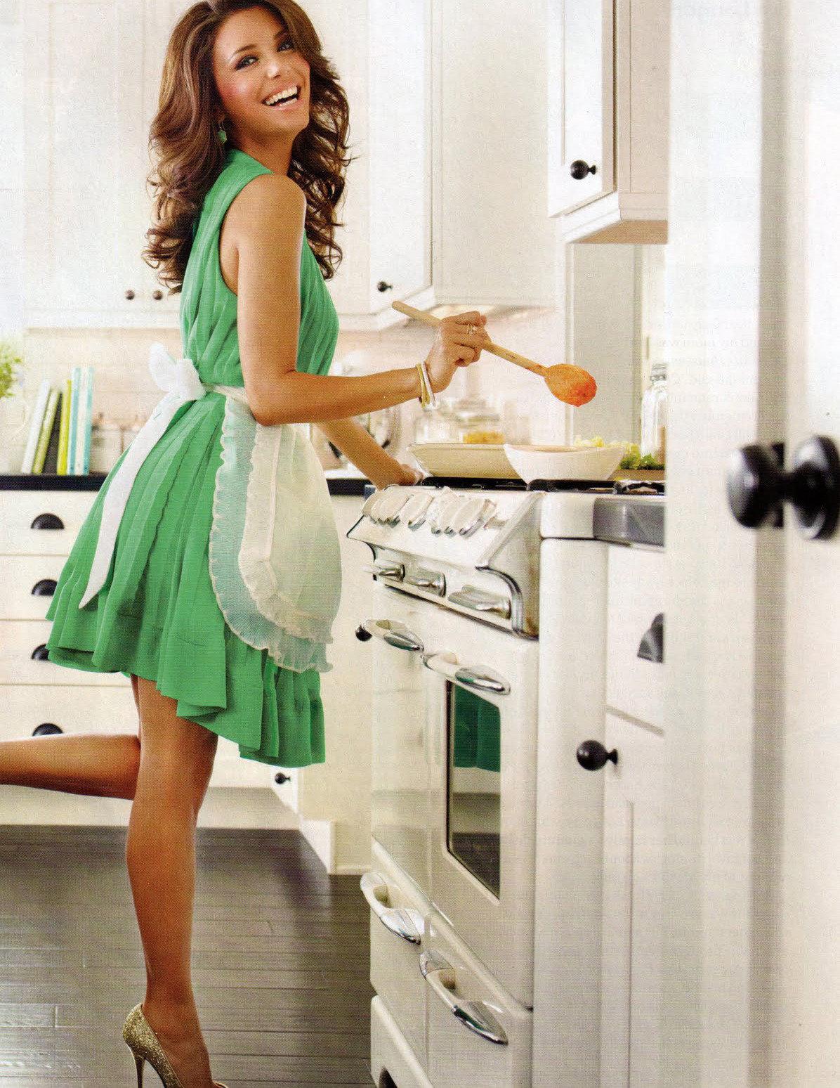 фото женщина на кухне понял