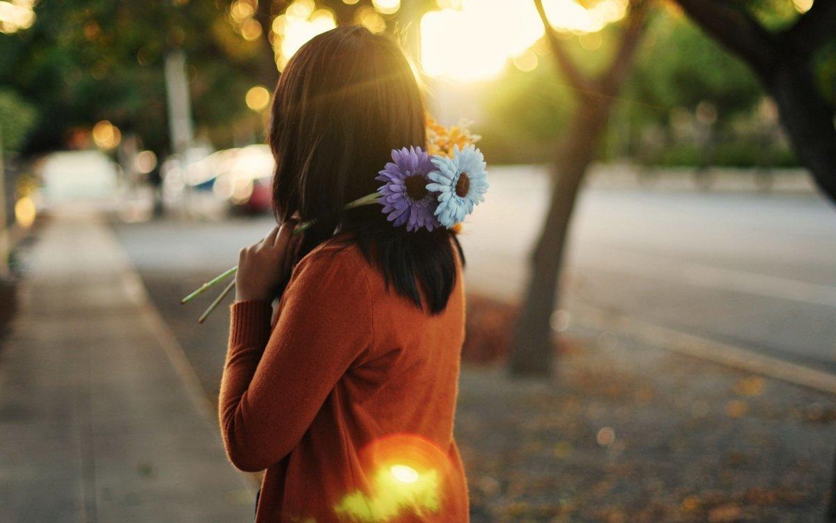 Картинки девушки с цветами со спины, рождением сына картинки