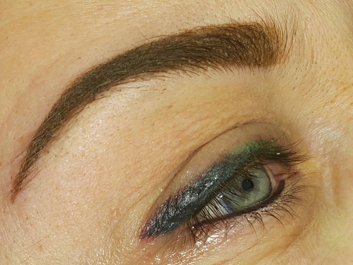 Цветной татуаж глаз фото