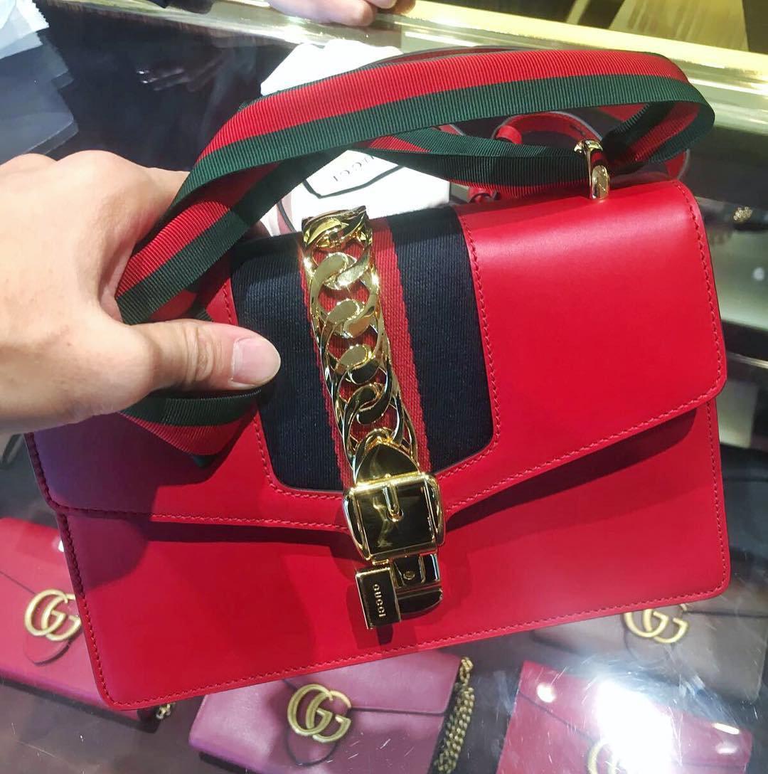 b0a1f3ef4ed2 Реплика Cумки Gucci в Заволжье. Сумки , купить копии брендовых сумок дешево  Купить со скидкой