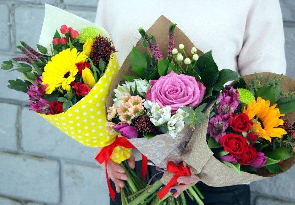 Оформление букетов для выпускного, букет цветов