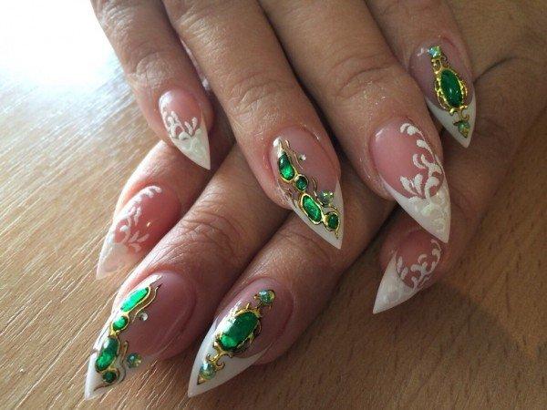 фото нарощенных ногтей с жидкими камнями