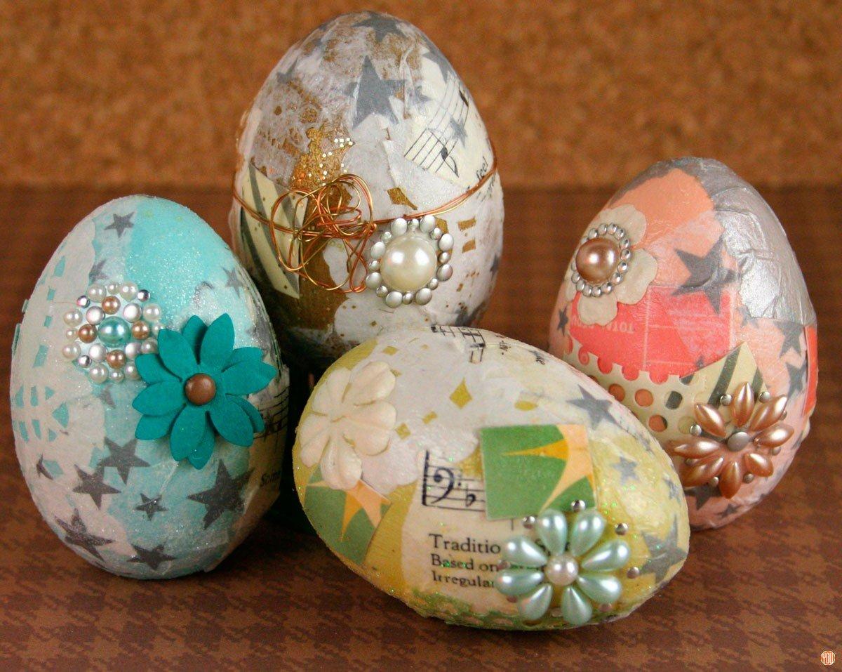 Приклеить картинки на яйца