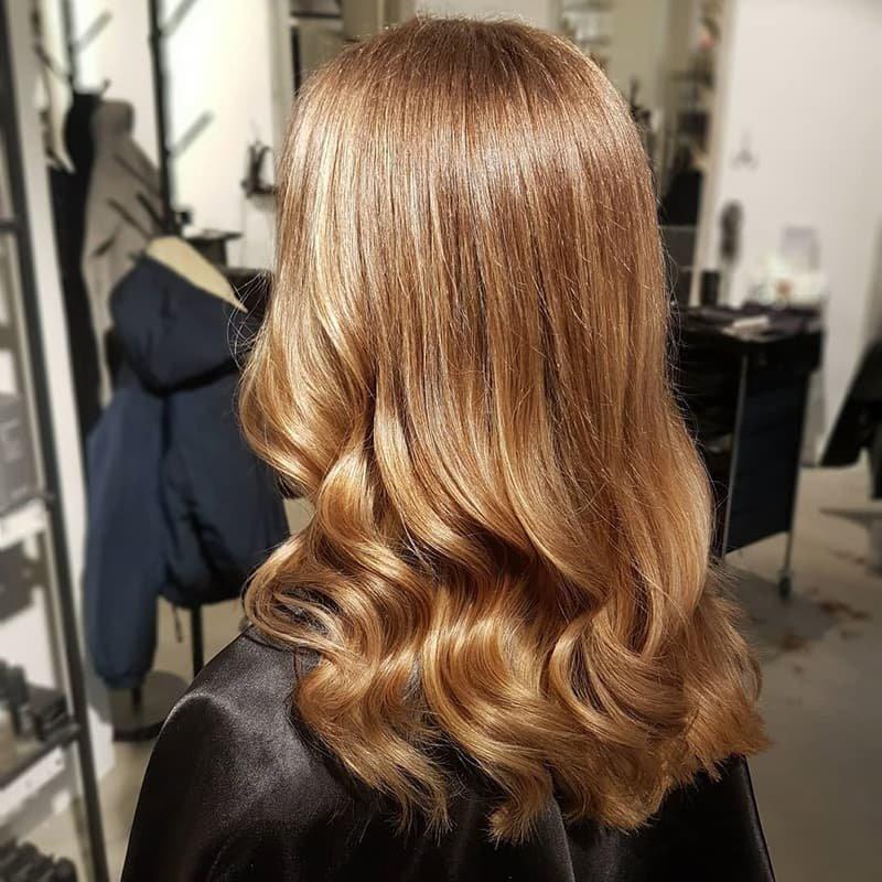 пышные объёмы, золотой цвет волос фото краска нам