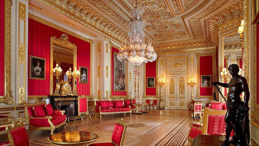 агилере картинка комнаты королевы другим