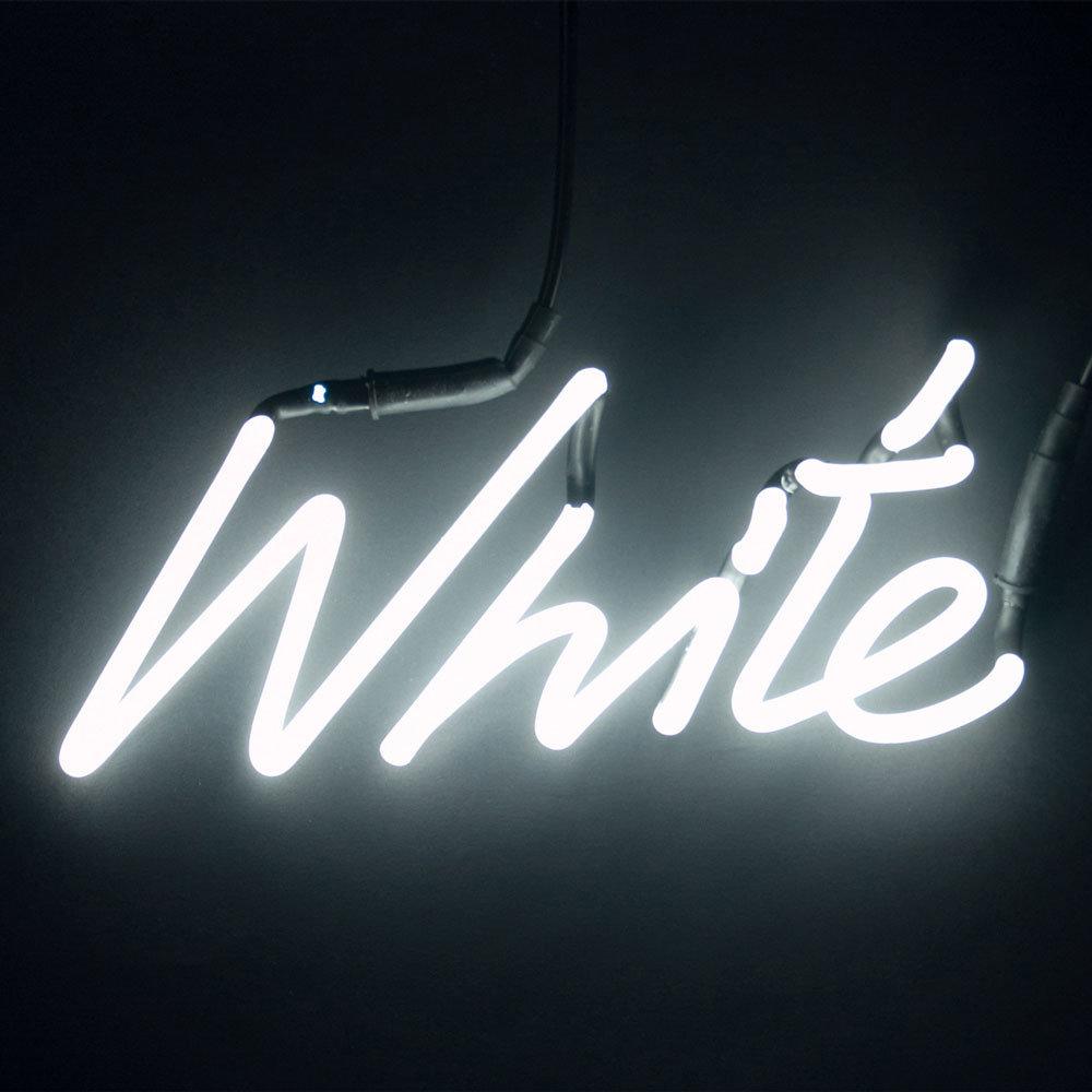 Картинка с надписью белый