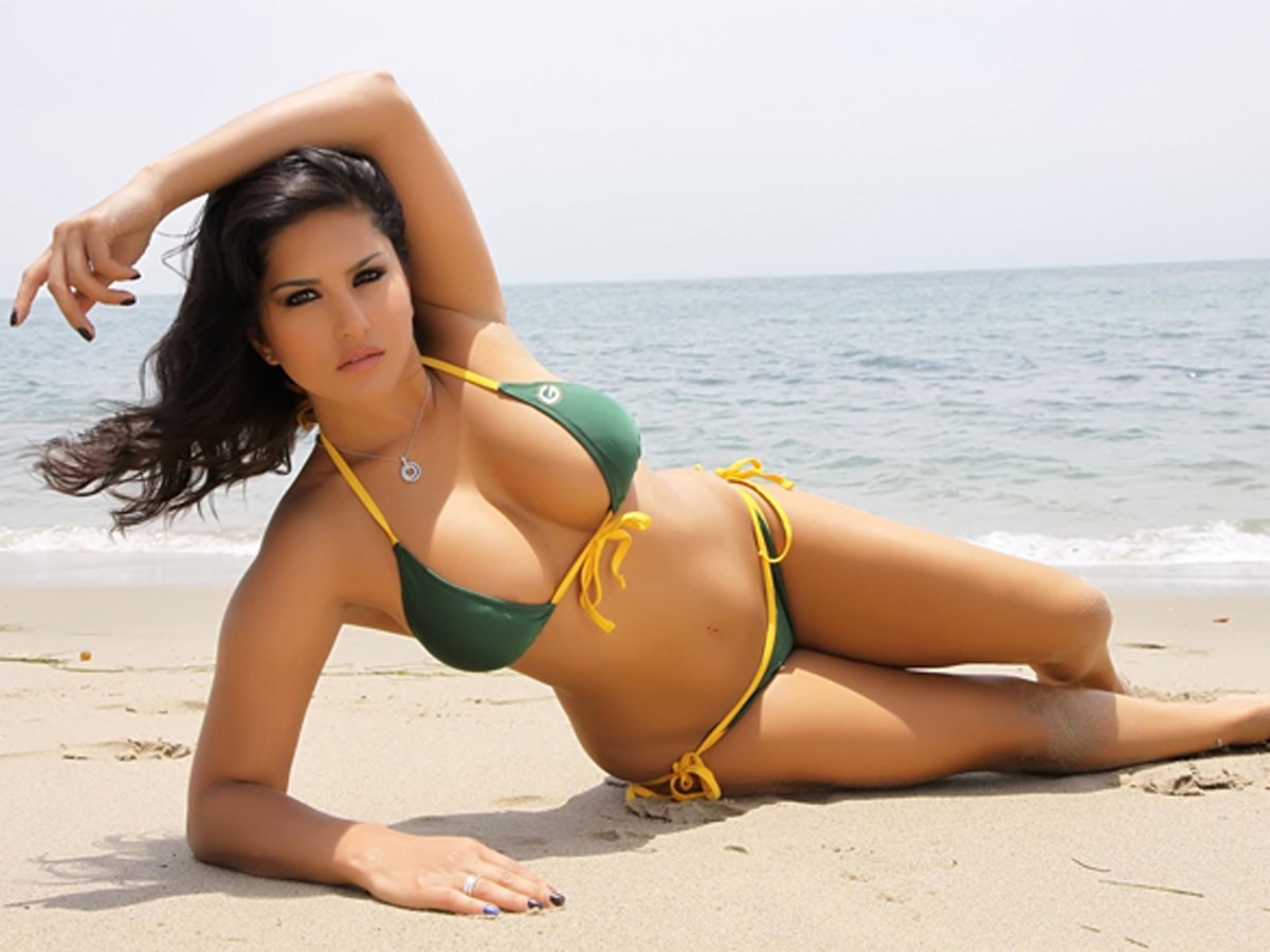 Gorgeous sunny bikini
