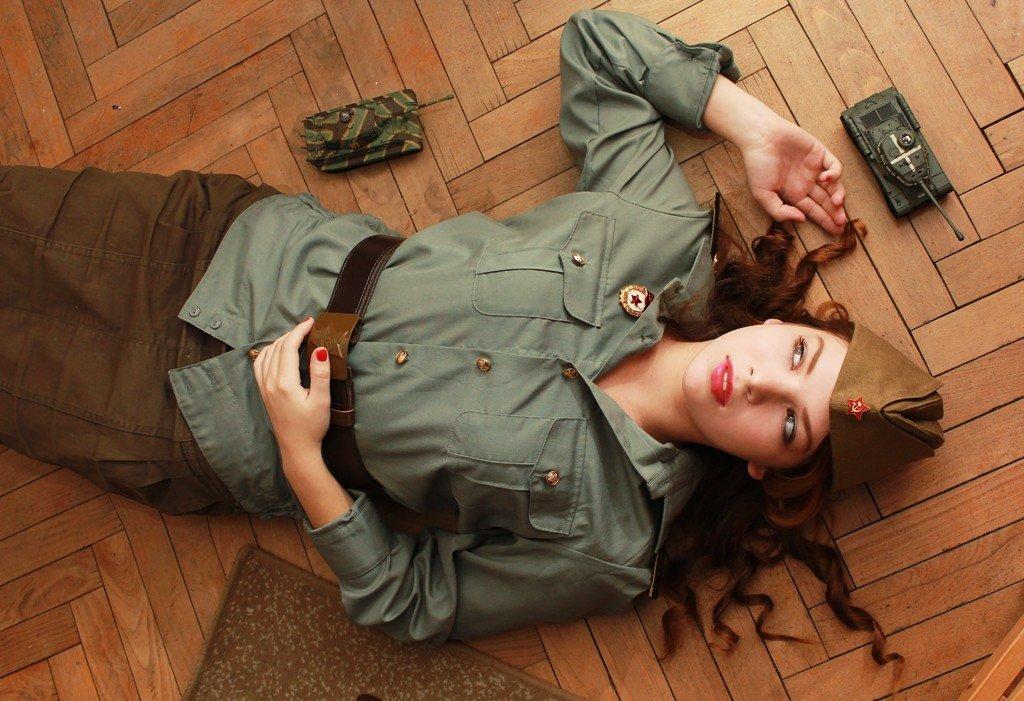 самого фотосессии девушек в военной форме секс услугами девочек
