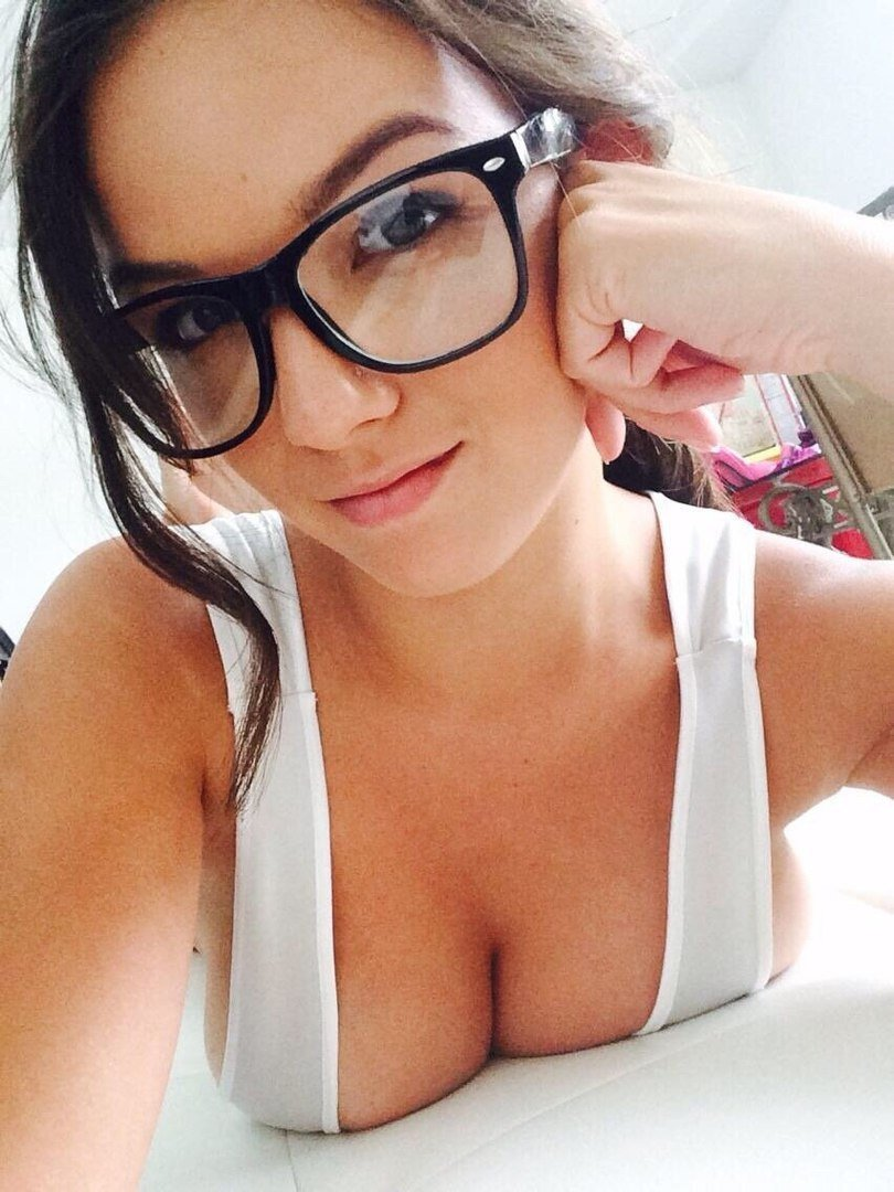 sexteacher-perfect-brunette-glasses-petite-big-tits-female-pornagraphy-kuwaity