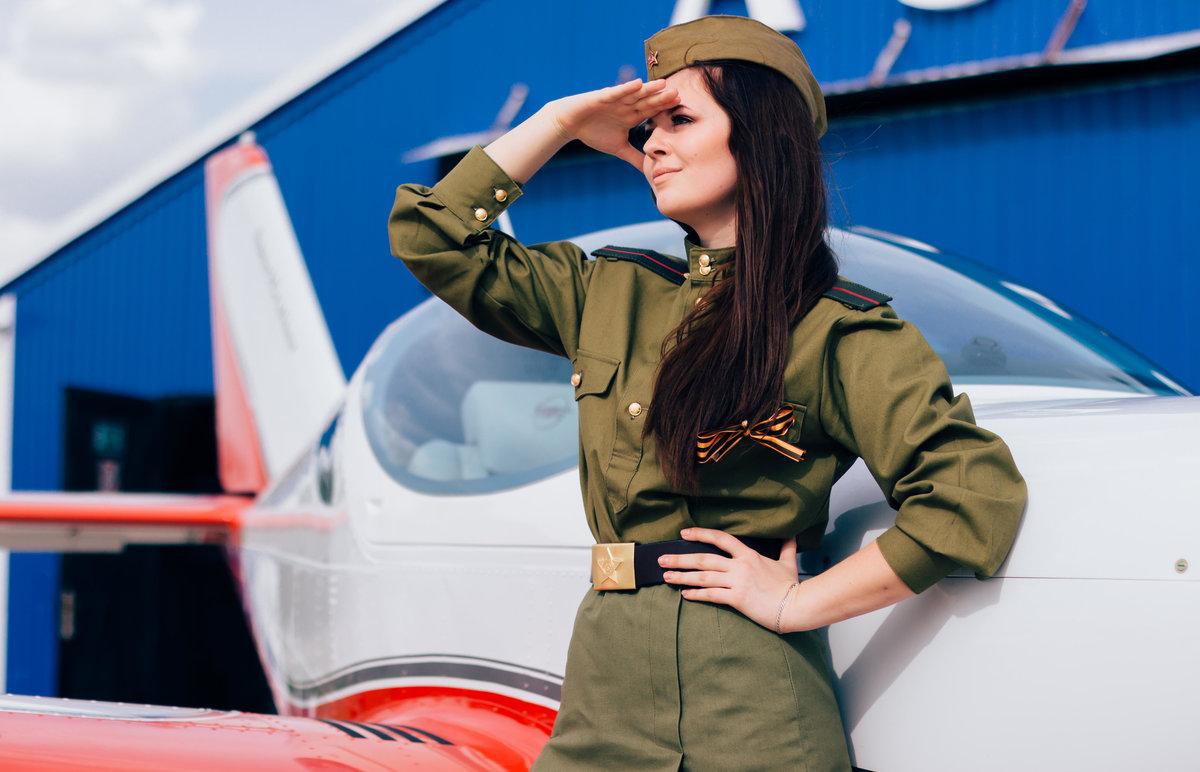 фотосессия девушек в военной форме этого