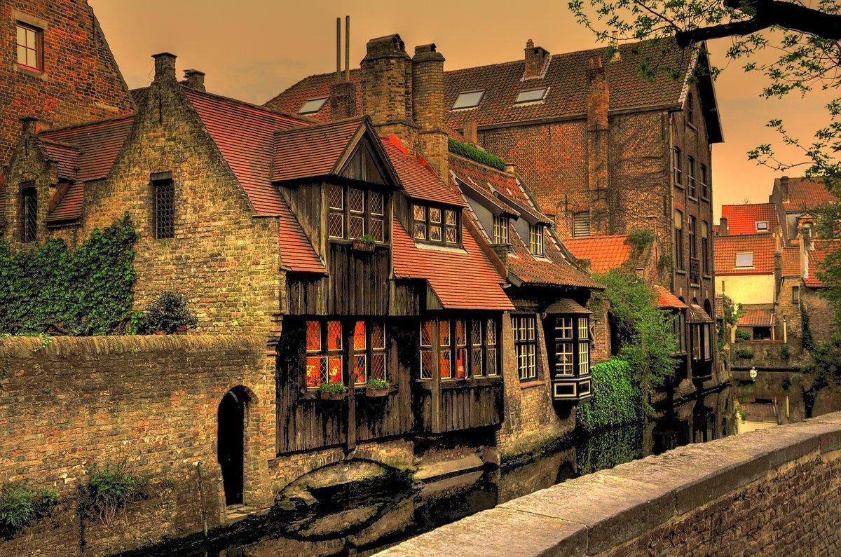 изменение размеров картинки старый город средневековья том, каких материалов