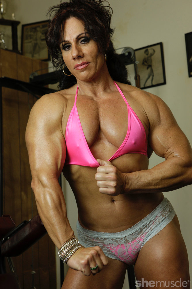 Women Bodybuilding Girls With Muscle Iron Thenipslip 1
