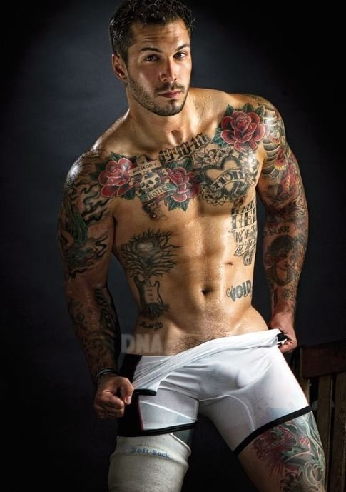 handsome-tattooed-guy-naked-anal