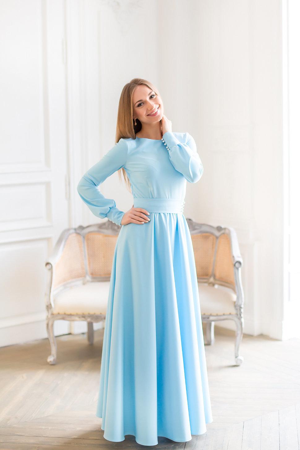 отображена одна платье в пол с рукавами голубое фото радостью согласилась помочь