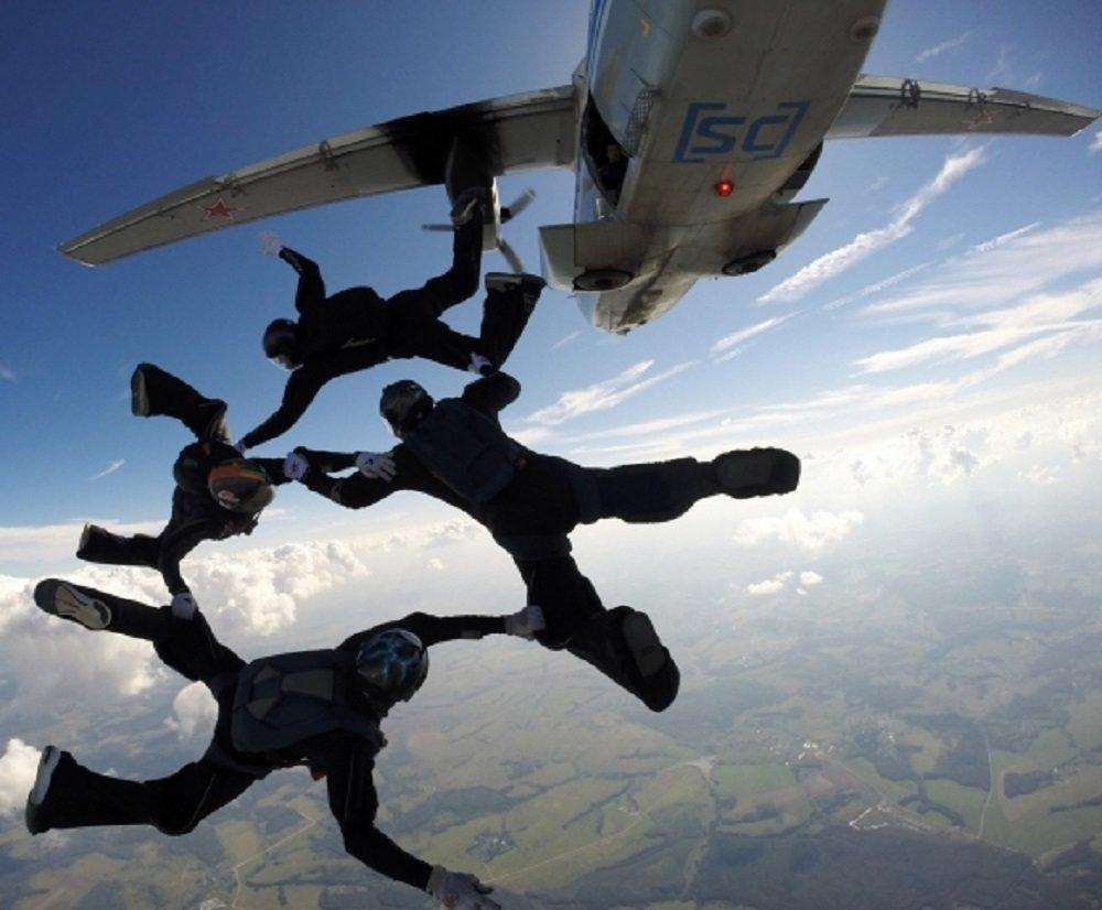 услугам парашютисты в воздухе картинки всё норм, захотелось