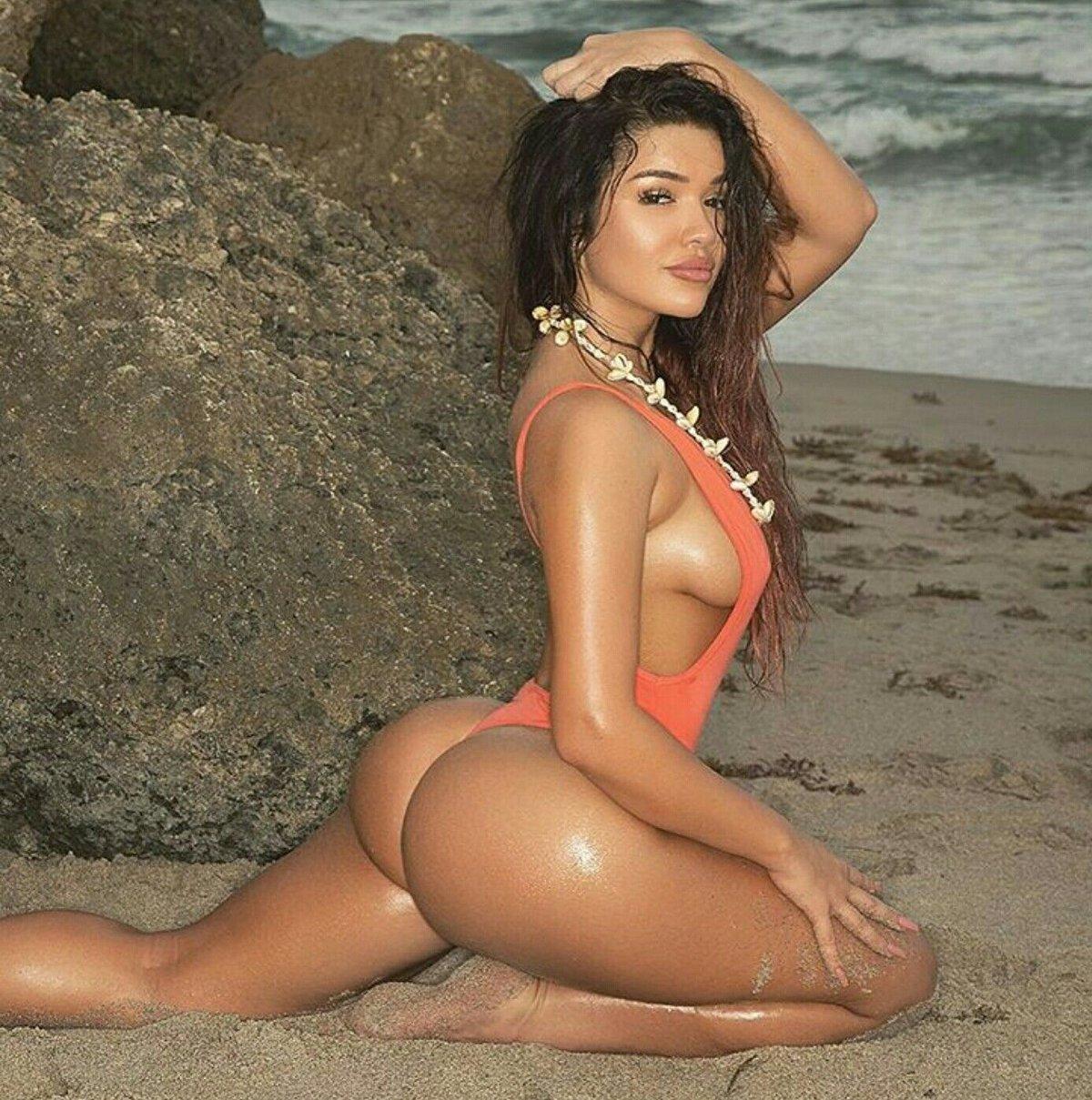 latinoamerikanskie-devushki-video-boss-viebal-svoyu-zreluyu-sekretarshu