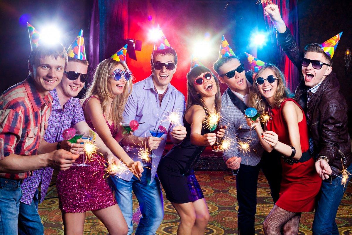 Фото частных вечеринок, мужские ножки в чулках