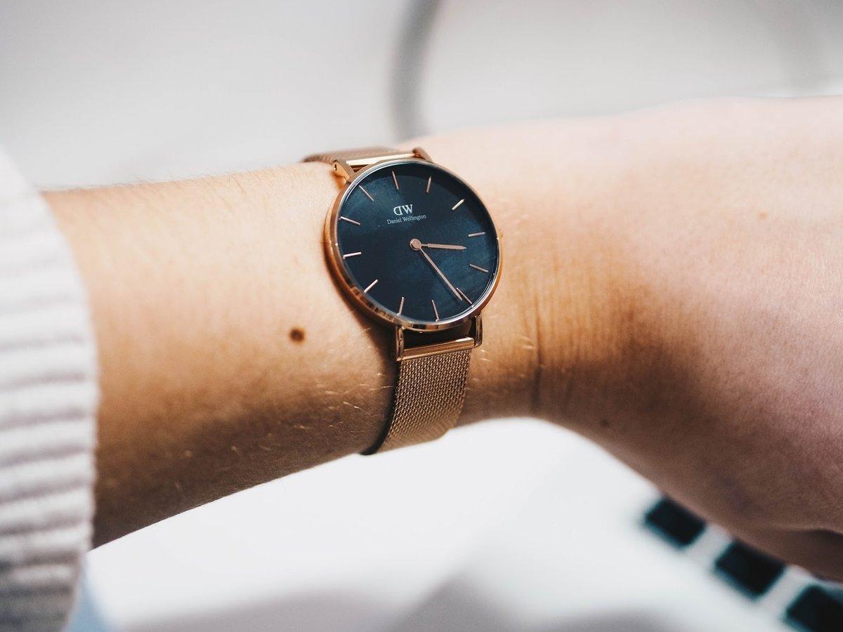 Дизайн женских часов daniel wellington понравится тем, кто любит строгость форм и минимализм.