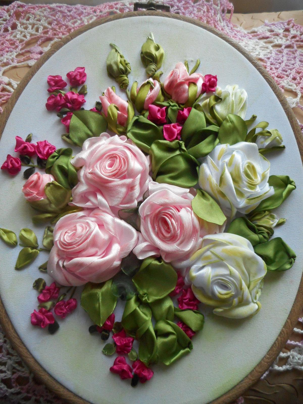 Открытку бумаги, букет роз на открытке из ленточки