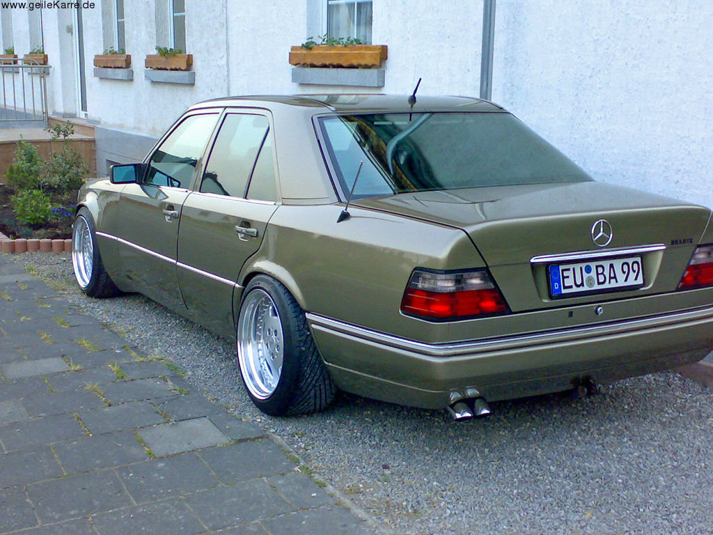 faros tuning mercedes w124 card from user. Black Bedroom Furniture Sets. Home Design Ideas