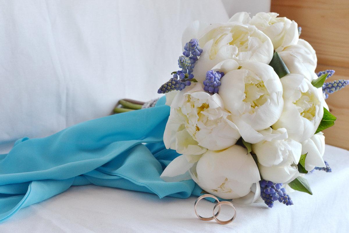 Букет свадебный из белых пионов, букетов онлайн 500