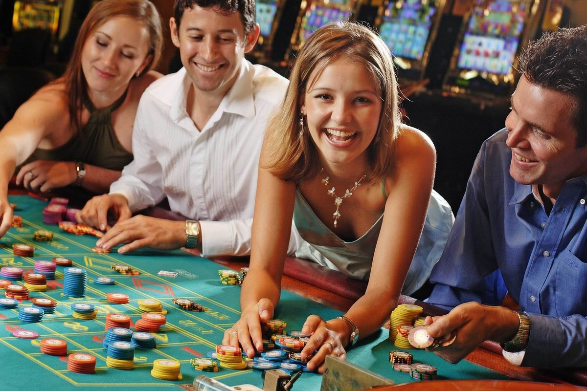 студент которого позвали играть в казино