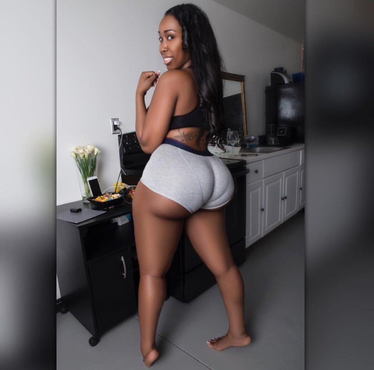 Big booty negras — img 3